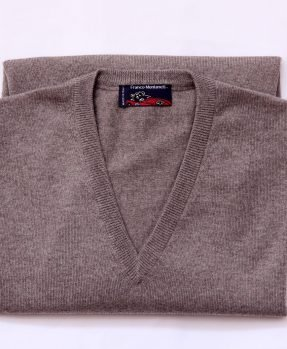 V neck merino wool sweater camel